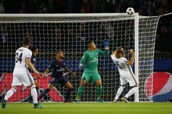 Bale02.jpg